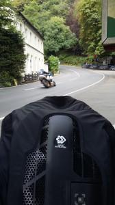 Au Manx GP, l'airbag reste le plus souvent au bord de la route ...