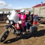 Tileugul et HongThinh sur la moto de Max