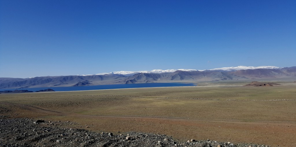 Le lac de Tolbo